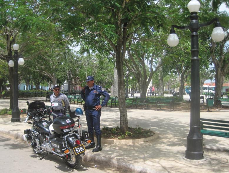 life in cuba cuban police ciego de avila